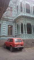 Beautiful fascades of Tbilisi's old building (and cars)